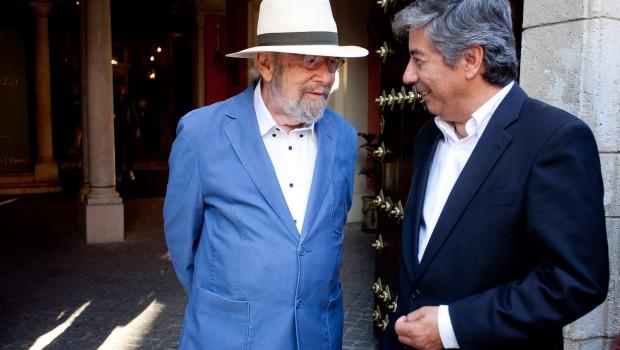Caballero Bonald asiste a la presentación de 'Memorial de disidencias', biografía de Julio Neira que retrata al escritor jerezano