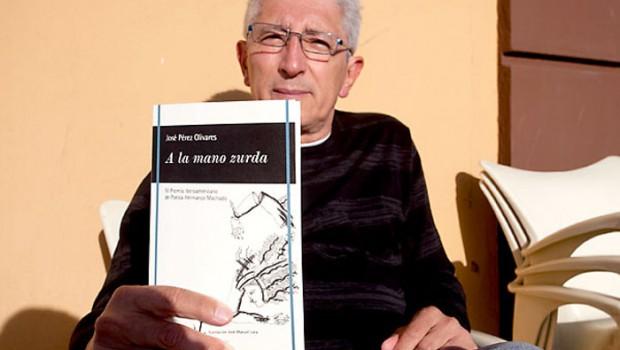 José Pérez Olivares recibió el IV Premio Iberoamericano de Poesía Hermanos Machado