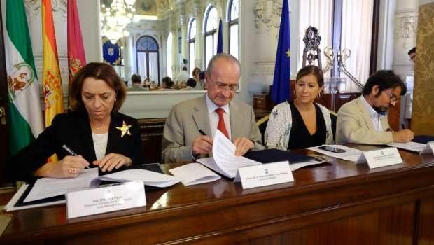 Fundación Lara y Ayuntamiento de Málaga firman el convenio para el Premio Málaga de Novela