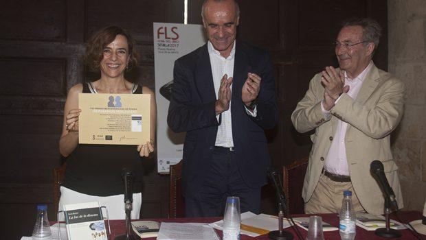 Nuria Barrios recibió el Premio Iberoamericano de Poesía Hermanos Machado