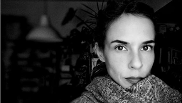 María Alcantarilla presenta 'Introducción al límite', un poemario que viaja por las costuras de la naturaleza humana