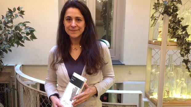 Yolanda Morató presentó 'Ahora', nuevo título de la colección de poesía Vandalia