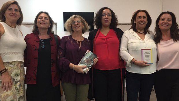 La escritora Najat El Hachmi inaugura en Alcalá de Guadaíra el curso de los clubes de lectura municipales