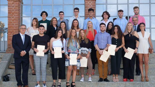 Convocada una nueva edición de las becas de estudios superiores para alumnos de las localidades sevillanas de Mairena del Alcor y El Pedroso