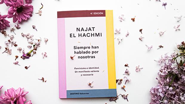 La escritora Najat el Hachmi y su libro 'Siempre han hablado por nosotras' protagonizan el concurso 'La reseña del mes', dedicado en esta ocasión al ensayo